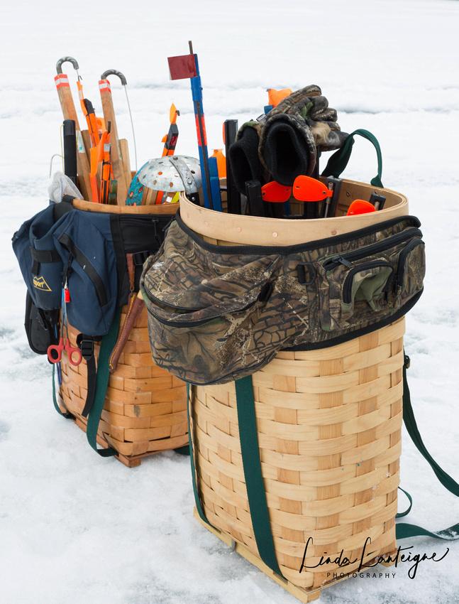 Tool of ice fishing